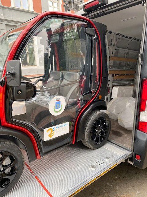 Consegnata al Comune una prima auto elettrica